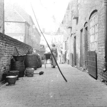 Atherstone.  Spencer's Yard