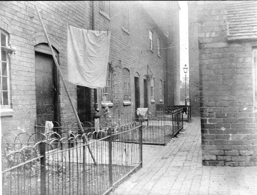 Cordingley's Building, looking towards Station Street, Atherstone.  1900s    IMAGE LOCATION: (Warwickshire County Record Office)