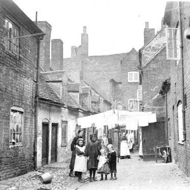Atherstone.  Avin's Yard