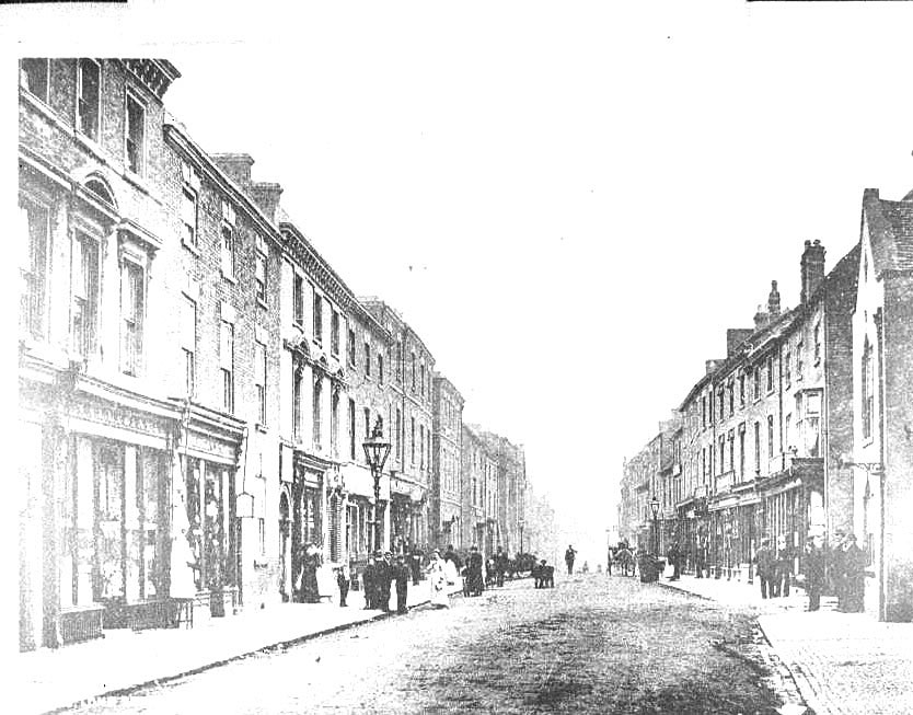 Long Street, Atherstone.  1900s |  IMAGE LOCATION: (Warwickshire County Record Office)