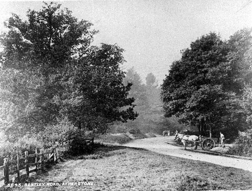Country lane near Atherstone.  1900s |  IMAGE LOCATION: (Warwickshire County Record Office)