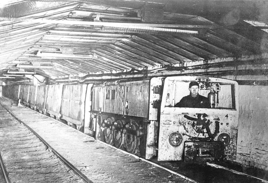 Underground railway at Birch Coppice Colliery, Polesworth. 1950s[Known locally as Hall End Pit it is on the A5 between Wilnecote and Dordon. The official postal address is Hall End, Polesworth] |  IMAGE LOCATION: (Warwickshire County Record Office)