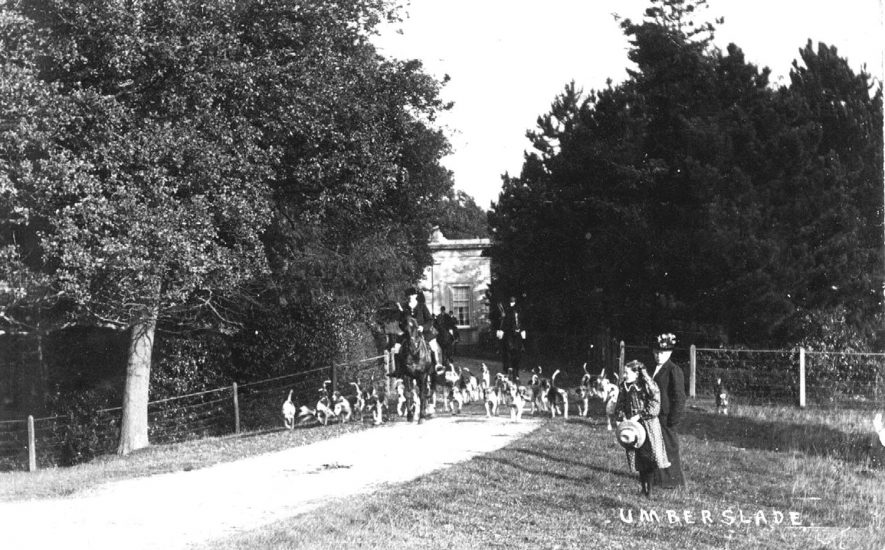Hunt meet in Umberslade Park, Tanworth-in-Arden.  1910s |  IMAGE LOCATION: (Warwickshire County Record Office)