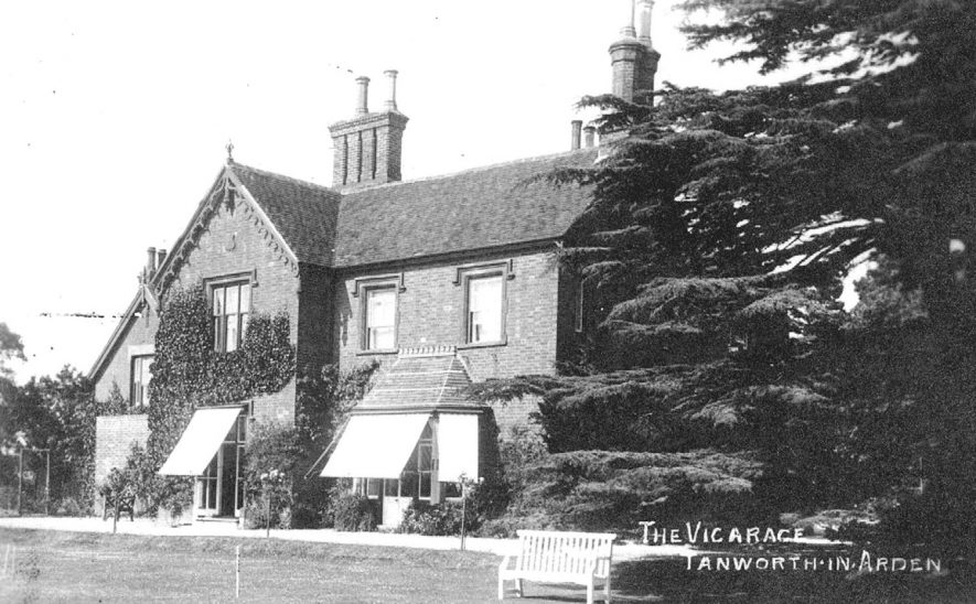 Exterior of the vicarage at Tanworth-in-Arden.  1910s |  IMAGE LOCATION: (Warwickshire County Record Office)