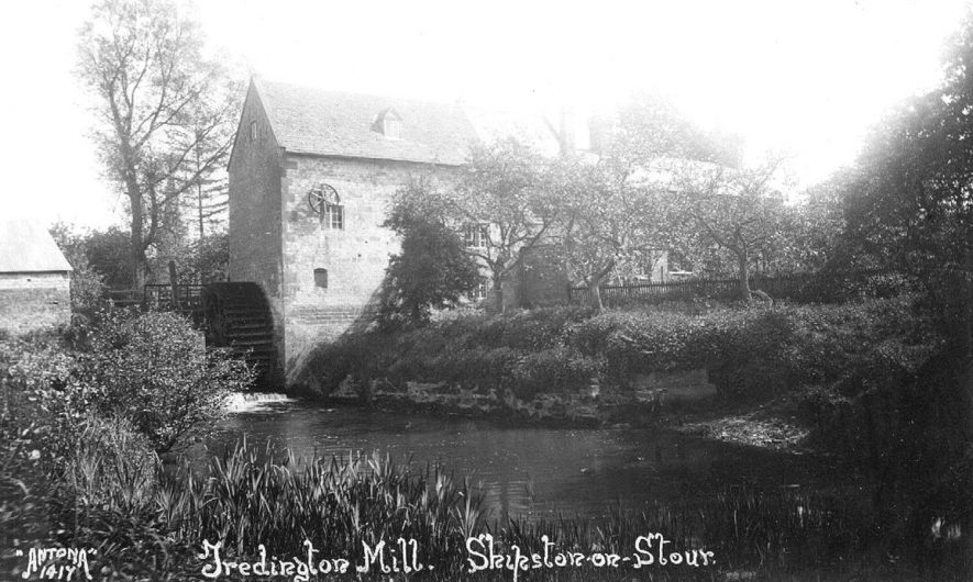 Tredington water mill and River Stour.  1920s |  IMAGE LOCATION: (Warwickshire County Record Office)