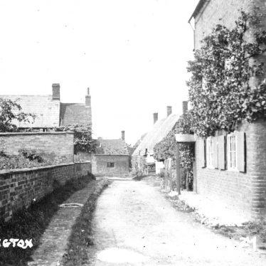 Tredington.  Lane with cottages