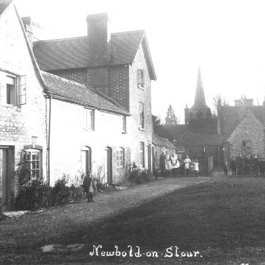 Newbold on Stour.  Cottages and school