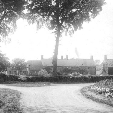 Tysoe, Lower.  Cottages