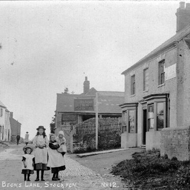 Stockton.  Group of children outside the King's Arms Inn