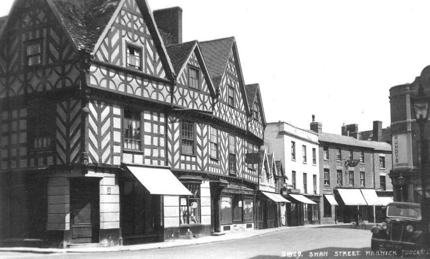 View along Swan Street, Warwick.  1950s |  IMAGE LOCATION: (Warwickshire County Record Office)