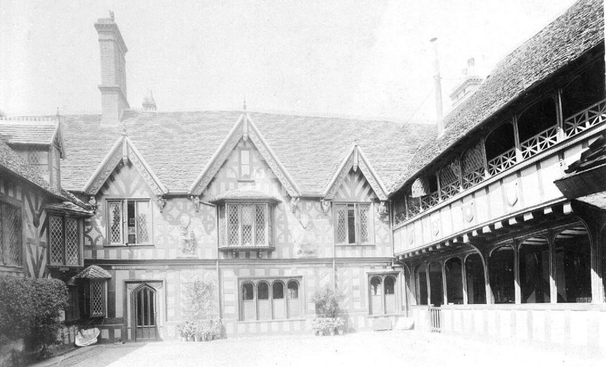 The courtyard of the Leycester Hospital, Warwick.  1900s |  IMAGE LOCATION: (Warwickshire County Record Office)