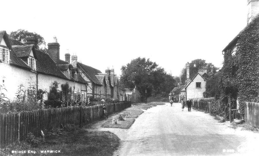 Bridge End, Warwick.  1920s |  IMAGE LOCATION: (Warwickshire County Record Office)