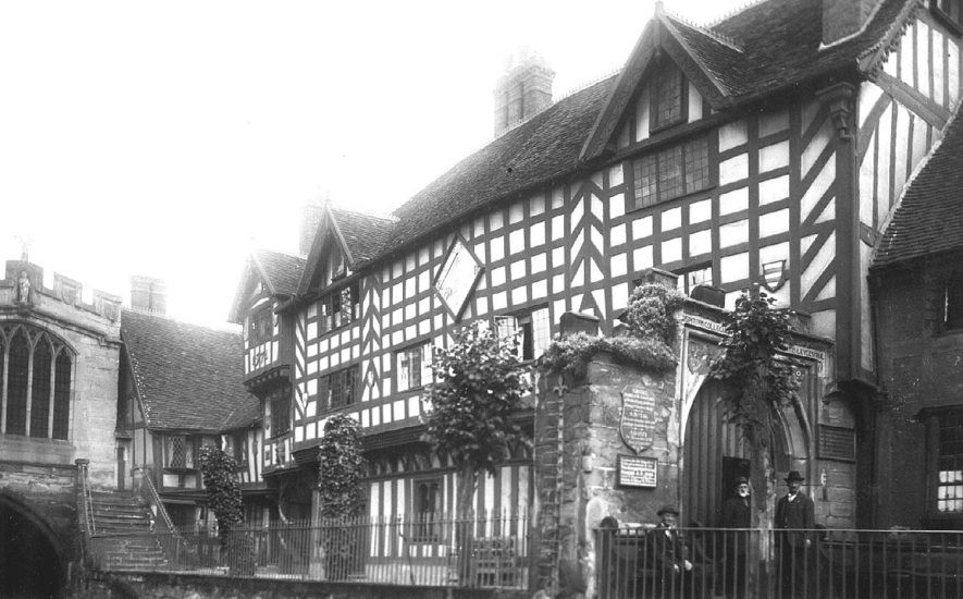 Lord Leycester's Hospital, Warwick.  1910s |  IMAGE LOCATION: (Warwickshire County Record Office)