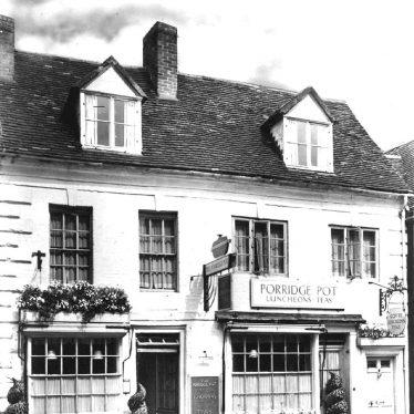 Warwick.  Jury Street, Porridge Pot