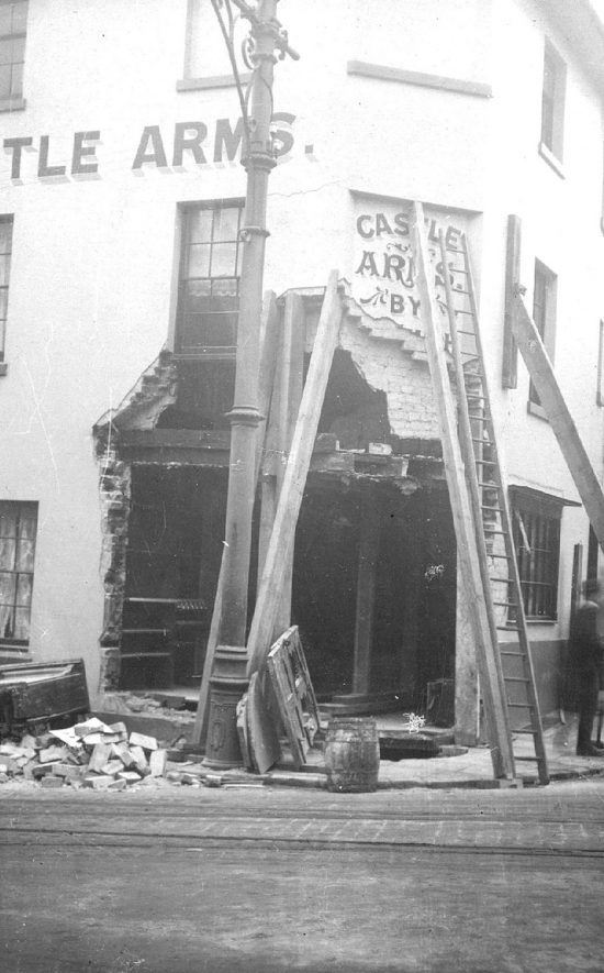 The Castle Arms,corner of Smith Street & Castle Hill, Warwick, damaged by a run-away tram.  1916 |  IMAGE LOCATION: (Warwickshire County Record Office)