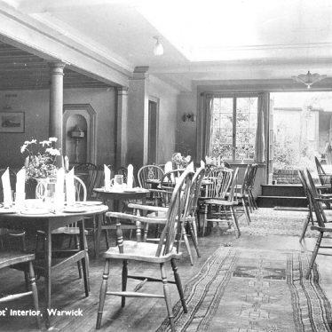 Warwick.  Jury Street, Porridge Pot interior