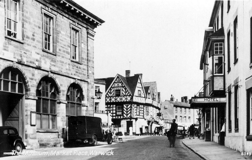 Warwick museum on the left of the photograph.  1950s |  IMAGE LOCATION: (Warwickshire County Record Office)