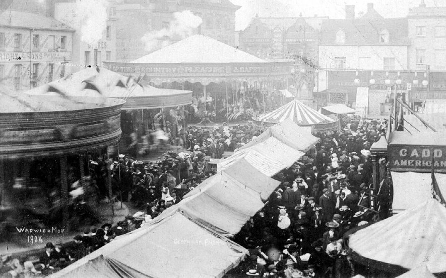 Crowds at the Mop Fair in Warwick.  1904 |  IMAGE LOCATION: (Warwickshire County Record Office)