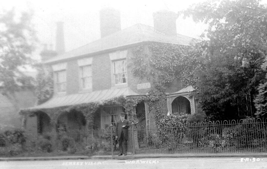 Jersey Villa, Emscote Road, Warwick.  Front view.  1900s |  IMAGE LOCATION: (Warwickshire County Record Office)