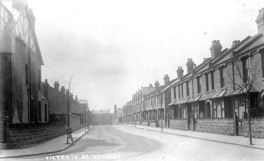 Terraced houses in Victoria Street, Warwick.  1910s |  IMAGE LOCATION: (Warwickshire County Record Office)