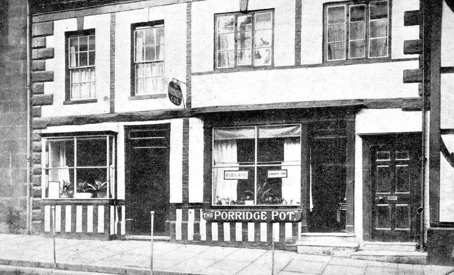 Exterior of The Porridge Pot cafe, Jury Street, Warwick.  1910s |  IMAGE LOCATION: (Warwickshire County Record Office)