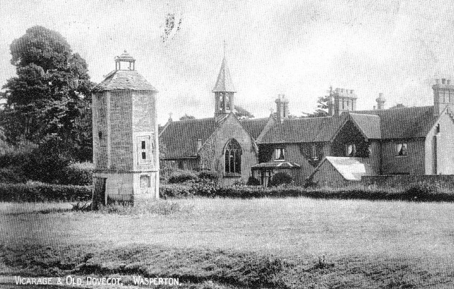 The vicarage and old dovecote at Wasperton.  1900s |  IMAGE LOCATION: (Warwickshire County Record Office)
