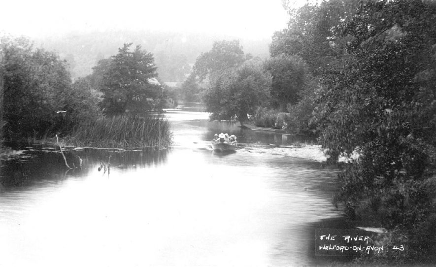 A rowing boat on the river at Welford on Avon.  1920s |  IMAGE LOCATION: (Warwickshire County Record Office)