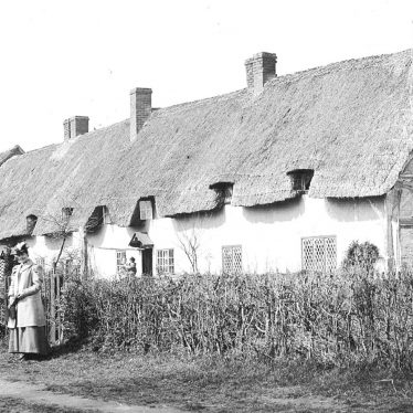 Welford on Avon.  Cottages