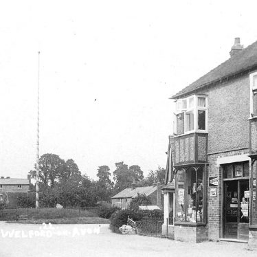 Welford on Avon.  Maypole and Village Stores
