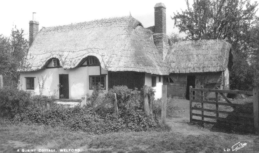 A thatched cottage at Welford on Avon.  1930s |  IMAGE LOCATION: (Warwickshire County Record Office)