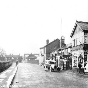 Wellesbourne.  Bridge Street
