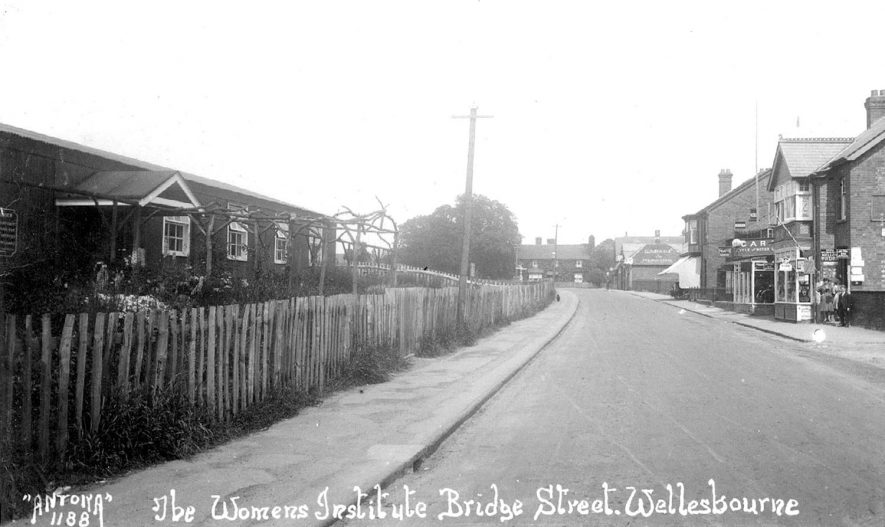 Bridge Street, Wellesbourne, including the Women's Institute building.  1920s |  IMAGE LOCATION: (Warwickshire County Record Office)