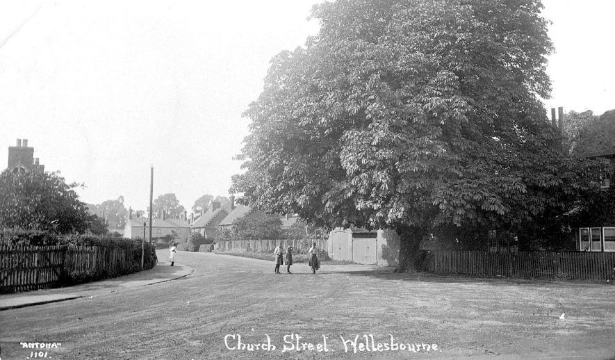 Church Street, Wellesbourne.  1910s |  IMAGE LOCATION: (Warwickshire County Record Office)