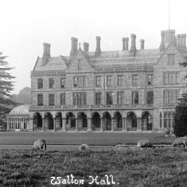 Walton Hall, showing the orangery on the left hand side, Walton.  1920s |  IMAGE LOCATION: (Warwickshire County Record Office)