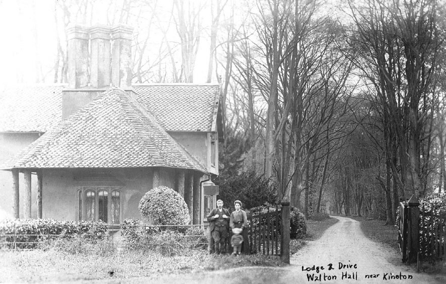 Walton Hall Lodge, Walton.  1900s |  IMAGE LOCATION: (Warwickshire County Record Office)
