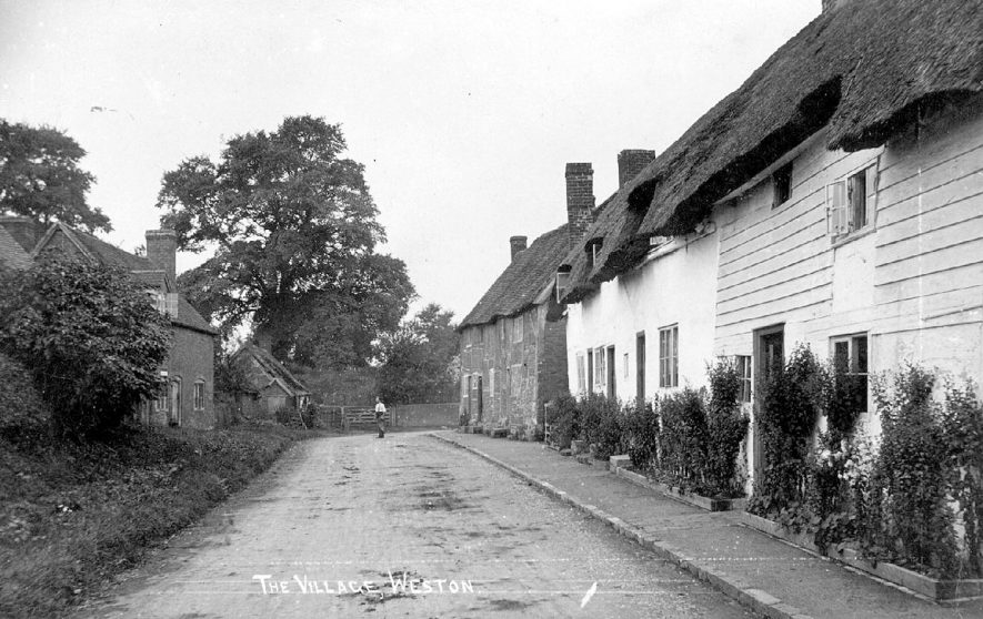 The village, Weston under Wetherley.  1910s |  IMAGE LOCATION: (Warwickshire County Record Office)
