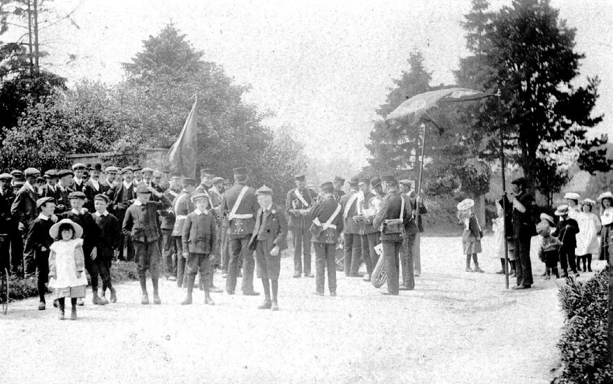 Whichford Club with a band performing.  1900s |  IMAGE LOCATION: (Warwickshire County Record Office)