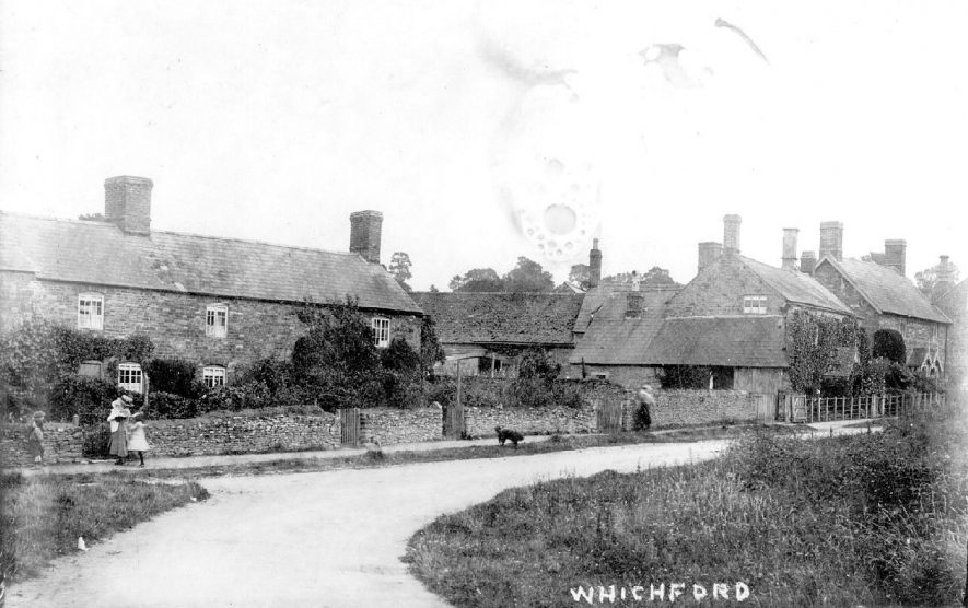 Terraced cottages in Whichford.  1910s |  IMAGE LOCATION: (Warwickshire County Record Office)