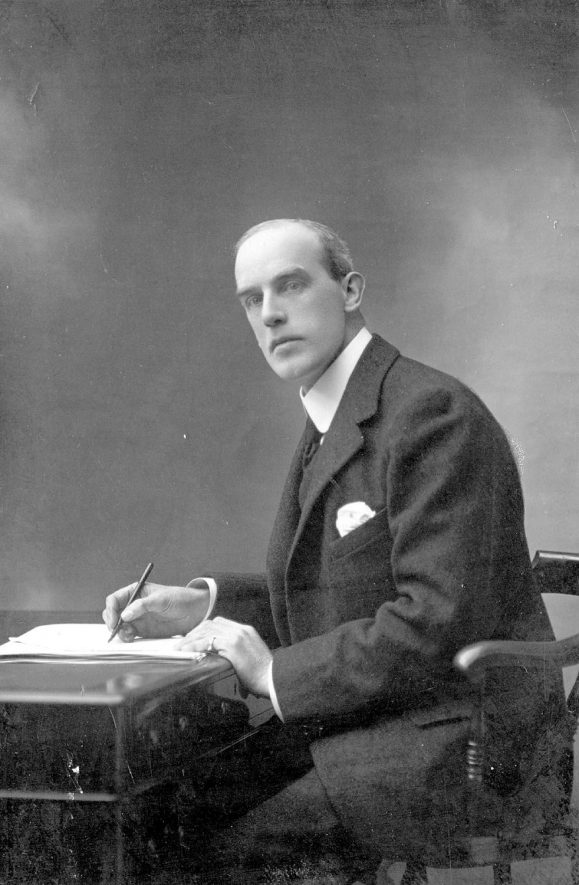 Studio portrait of Ernest Murray Pollock, M.P. for Warwick and Leamington Spa. 1910 - 1923. |  IMAGE LOCATION: (Warwickshire County Record Office)