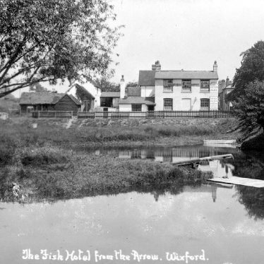 Wixford.  Fish Hotel and River Arrow