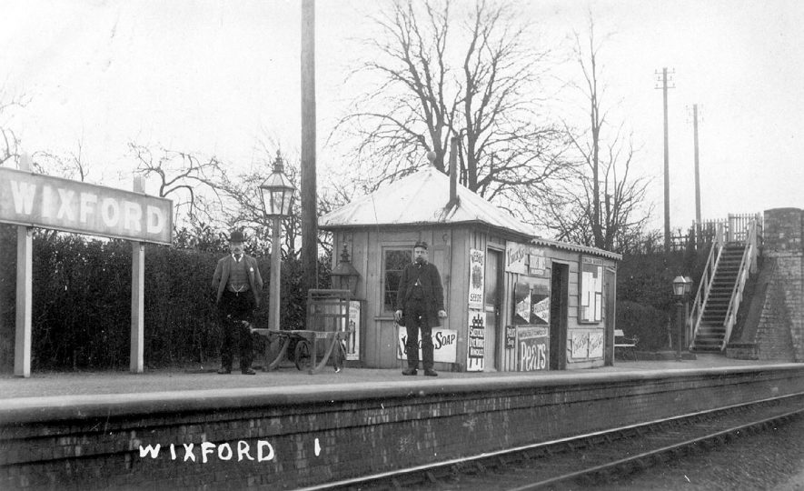 Wixford railway station and staff.  1910s |  IMAGE LOCATION: (Warwickshire County Record Office)