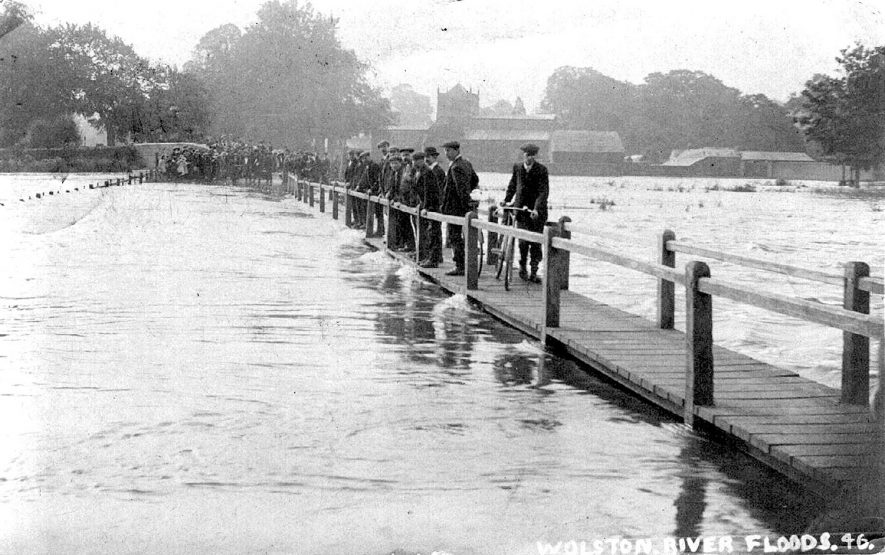 Flooding at Wolston.  1910s |  IMAGE LOCATION: (Warwickshire County Record Office)