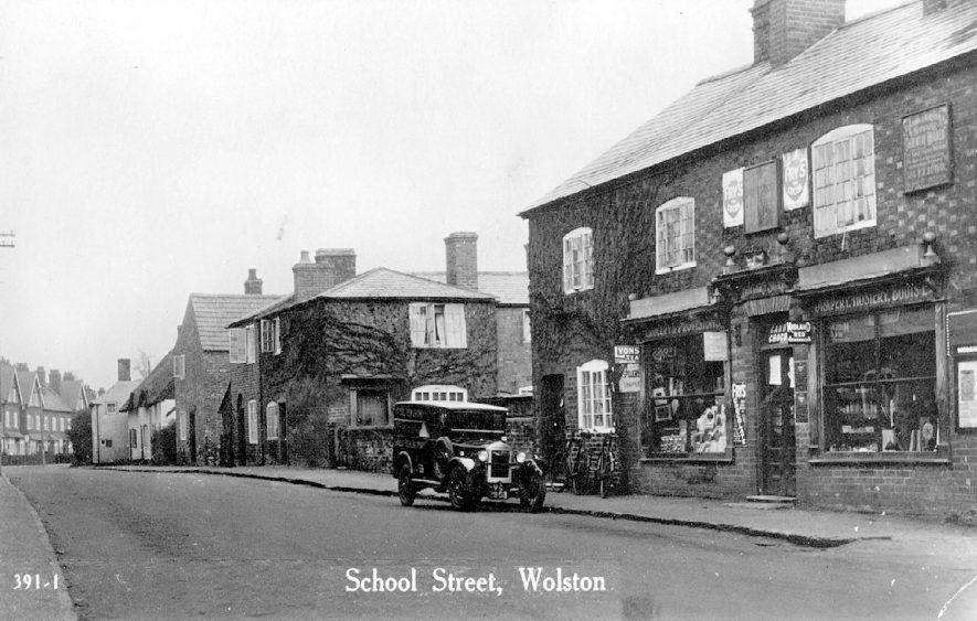 School Street, Wolston.  1930s |  IMAGE LOCATION: (Warwickshire County Record Office)