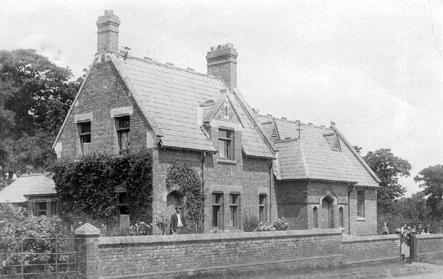 Wolverton school.  1900s |  IMAGE LOCATION: (Warwickshire County Record Office)