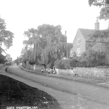 Leek Wootton.  Village scene