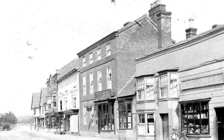 High Street, Henley in Arden.  1900s |  IMAGE LOCATION: (Warwickshire County Record Office)
