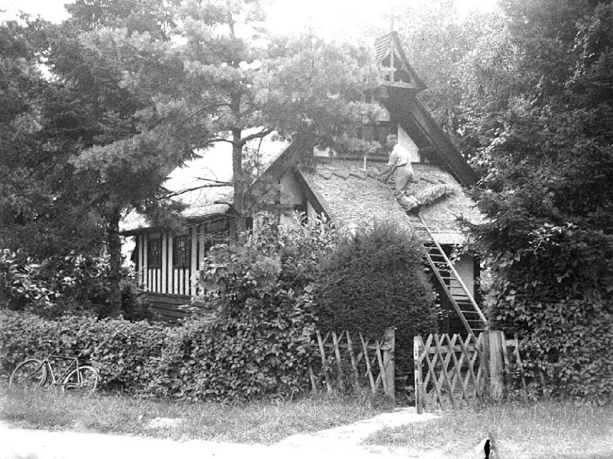 Mr H Hoggins thatching Bascote Heath Church.  11 August 1936 |  IMAGE LOCATION: (Warwickshire County Record Office) PEOPLE IN PHOTO: Hoggins, Mr H, Hoggins as a surname