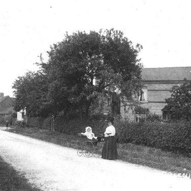 Ullenhall.  Village scene