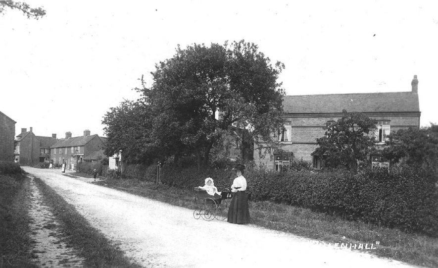 A village scene, Ullenhall.  1910s |  IMAGE LOCATION: (Warwickshire County Record Office)