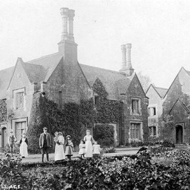 Wormleighton.  Estate cottages